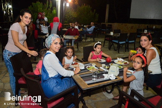 Karawan Hazmieh Nightlife Karawan Restaurant on Friday Night Lebanon
